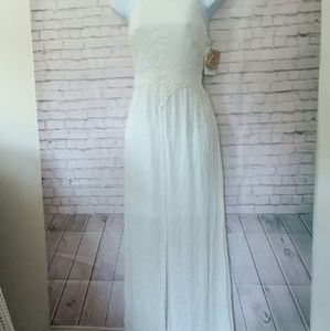 [NWT!] XHILARATION white maxi dress